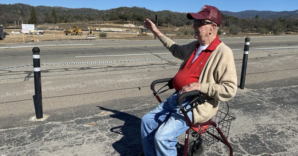 93 year old Bill Howe Waves to All Driving by on Highway 49